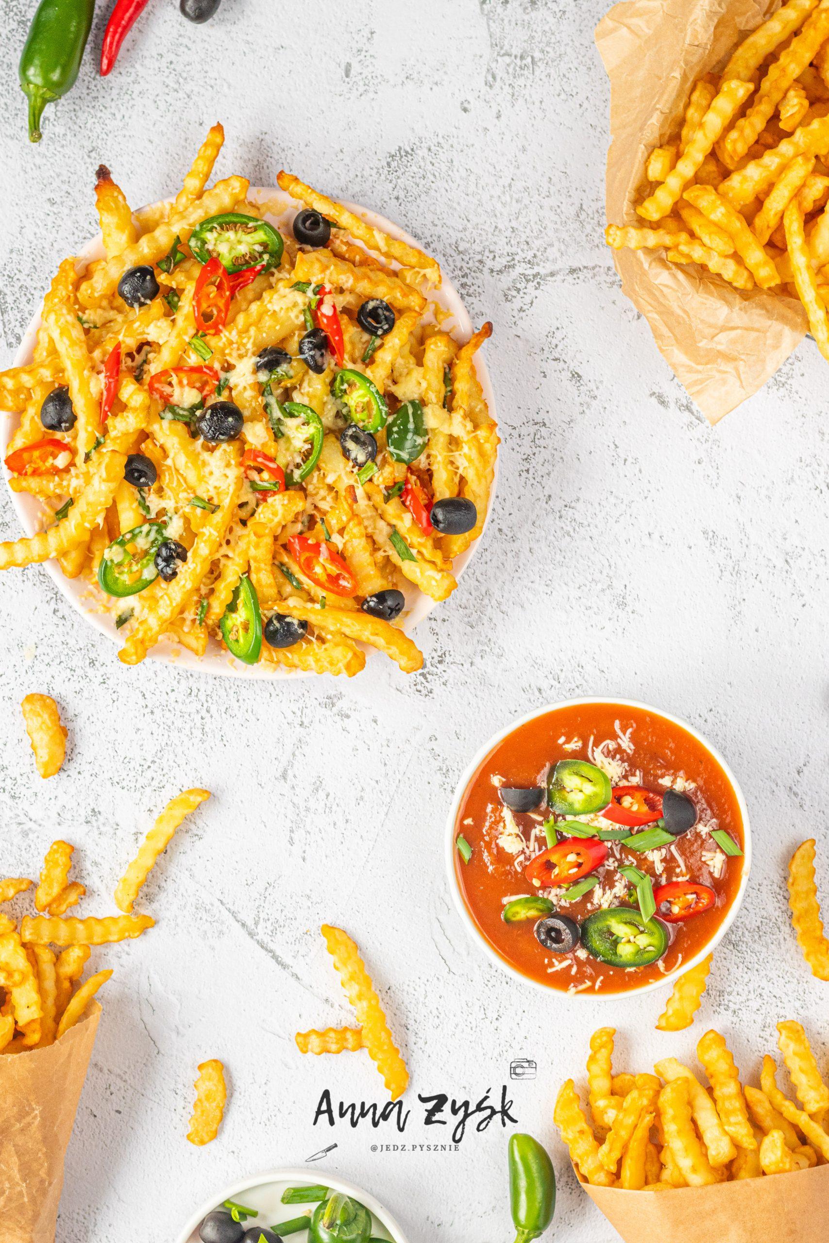 frytki, ser, papryczka chilli
